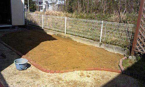 芝生の床土3